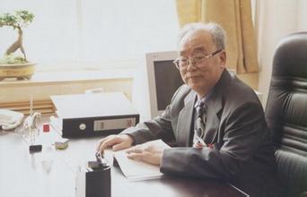 何炼成:西北大学经济管理学院教授