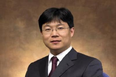新加坡国立大学EMBA教授:乌耀中(中国)