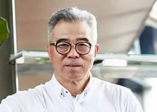"""新国大EMBA校友:""""南京大牌档""""创办人赵一飞:小吃不仅有味且有情份"""