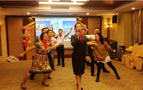 哈工大管理学院EMBA2016级三班(深圳班)团队文化建设成功举行