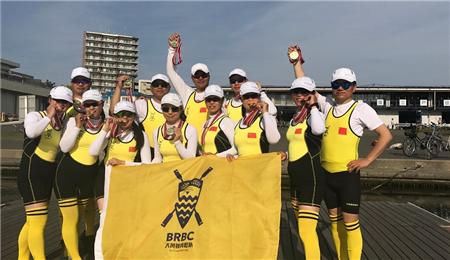 浙江大学EMBA大黄蜂赛艇队横扫日本户田国际大师赛
