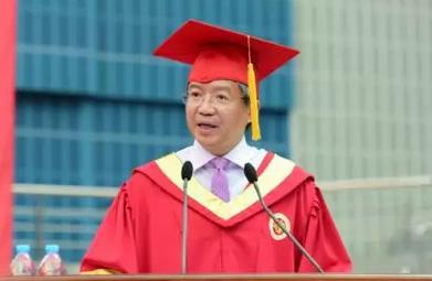 复旦管理学院院长陆雄文毕业典礼致辞:商科是最美的学科