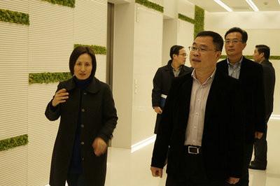 松江区政府领导莅临上海财经大学EMBA姚娟娟校友企业总部视察指导工作