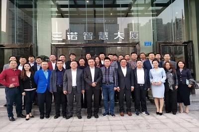 中国人民大学EMBA校友会理事大会在深圳顺利召开