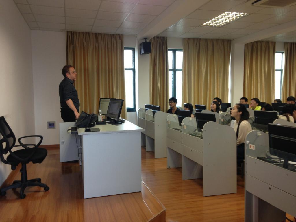 西南交通大学英语中外交流模式