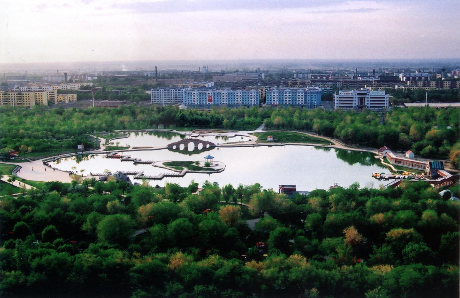 新疆财经大学校园风景