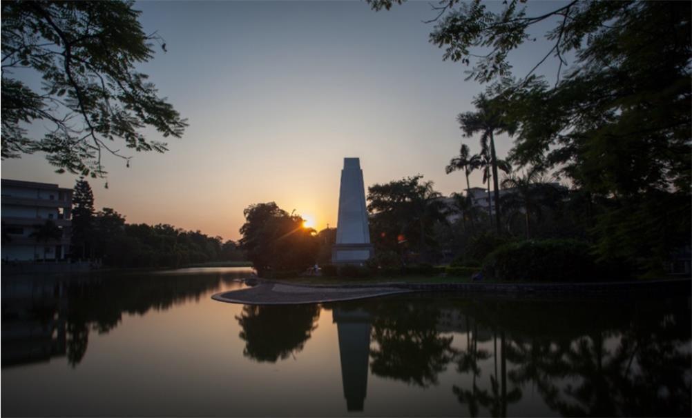 广西大学校园实景-广西大学图书馆