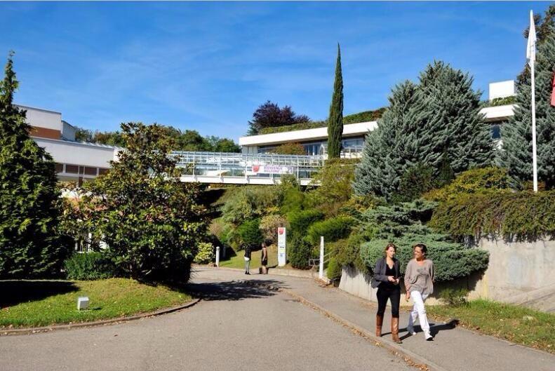 北京邮电大学-里昂大学合作办学校园风景-