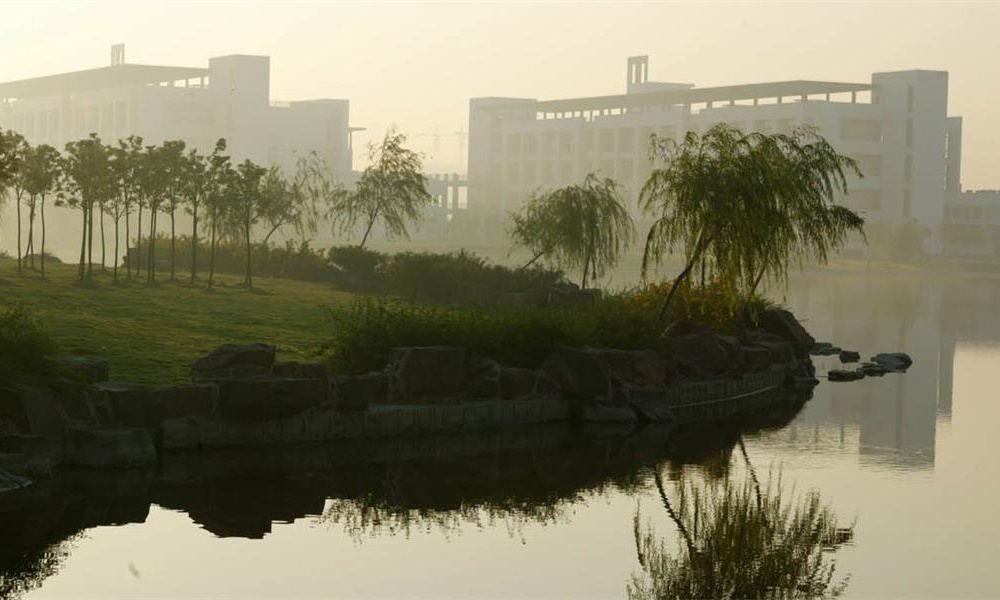 东华大学校园实景-