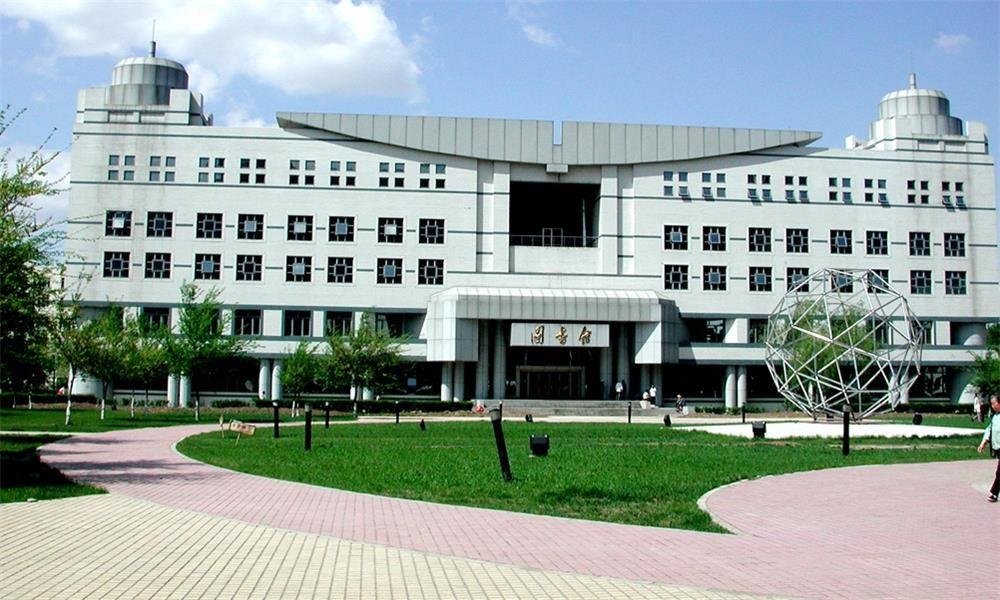 哈尔滨工业大学活动中心-校园实景