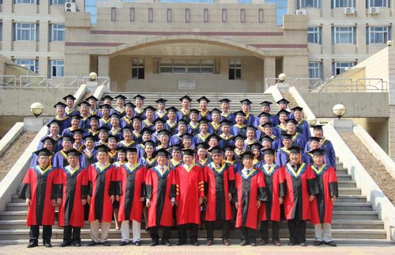 河北工业大学EMBA毕业合影.png