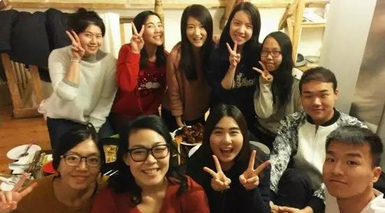 与来自亚洲的同学一起新年聚会