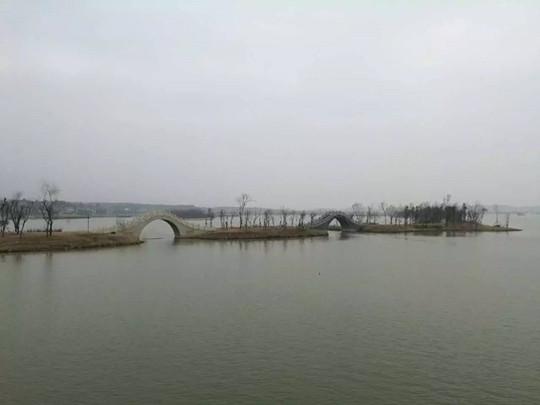 清澈湖水,中南大学EMBA