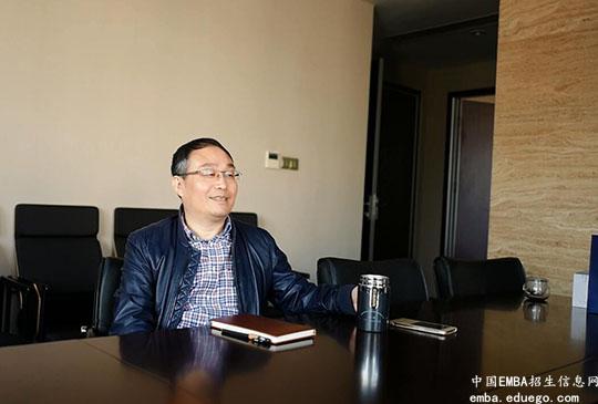 袁建华接受采访