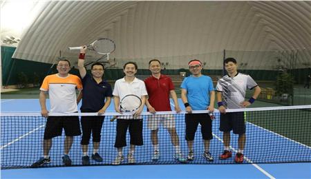 人大商学院EMBA网球俱乐部成员合影,人大商学院EMBA