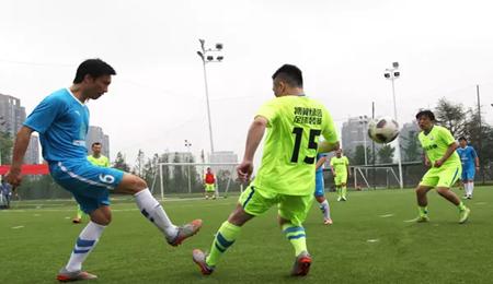 湖南大学EMBA在足球巡回赛
