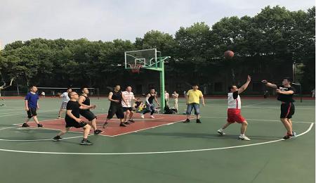 东南大学EMBA篮球赛顺利举行
