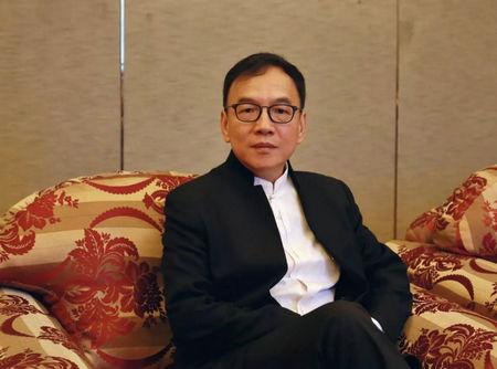 长江商学院金融学教授梅建平
