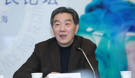 上海工商管理硕士专业学位教育指导委员会秘书长李学昌主持会议