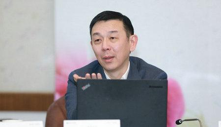 复旦大学管理学院副院长殷志文做主题分享
