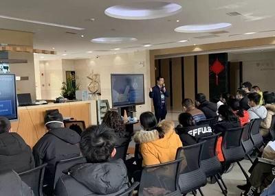 广州金域实验诊断部运营经理李晨阳作培训