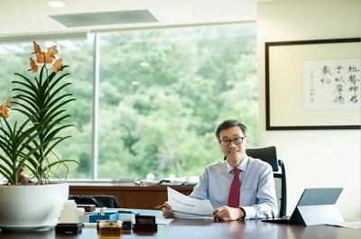新加坡国立大学校长陈永财教授致信中国校友